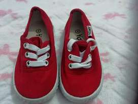 Toddlers tommy takkies