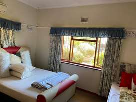Bellville b&b.book 3 nights and sleep 4th night free r600