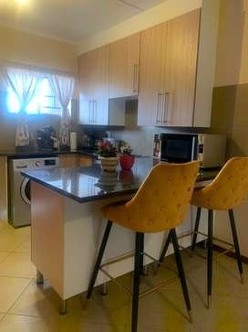 Roomate needed in Midrand, Ètude