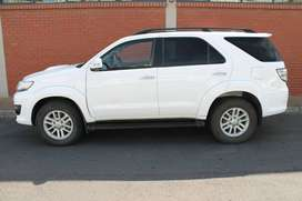 2012 TOYOTA FORTUNER 3.0D-4D 4X4 MANUAL