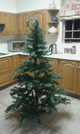 6FT Christmas Tree and Decorations
