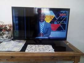 "Samsung 40"" 3D TV with crack for Sale"