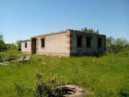 Срочно!Продается приусадебный участок,с недостроенным домом.