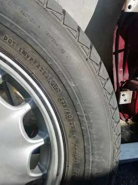 Mercedes 16 inch mag with bran new tyre R550