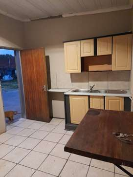 Neat garden flat in secure area, Newlands. Its been newly renovated.
