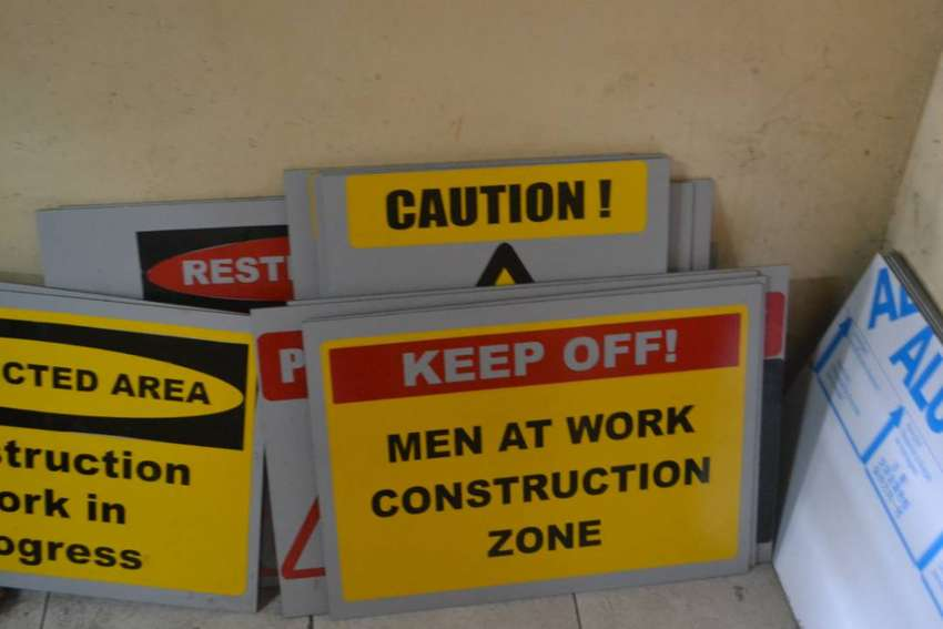 FACTORY SAFETY SIGNS 0