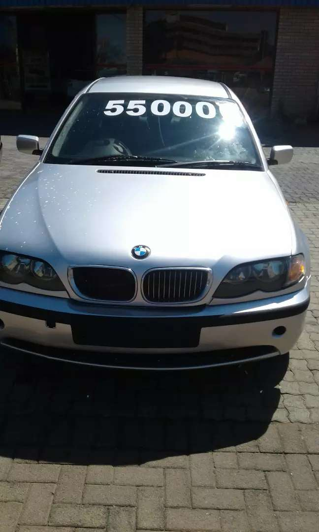 BMW  318 good condition  papers  in  order  kilos  186000 0