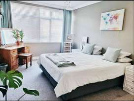 All inclusive - big room to rent in Green Point