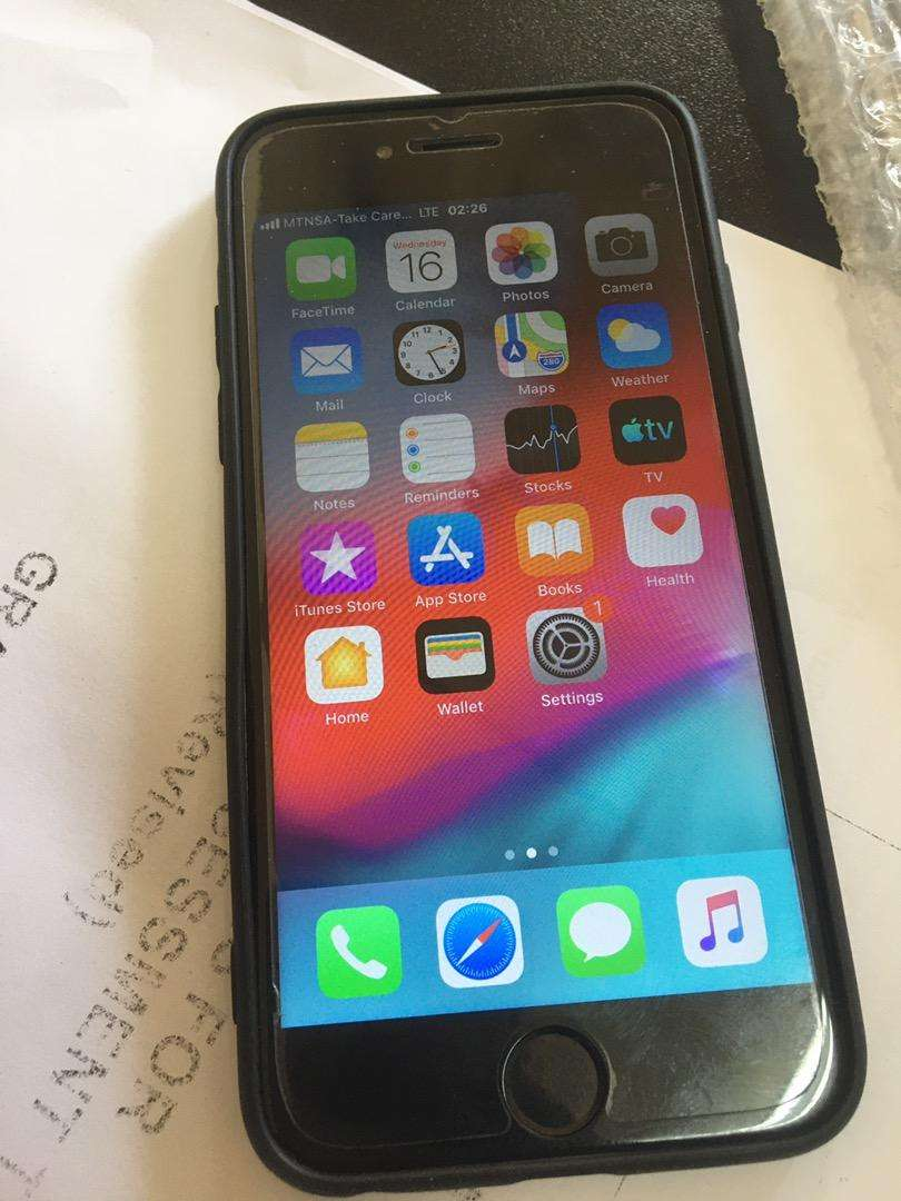 Iphone 6 with 32gb 0