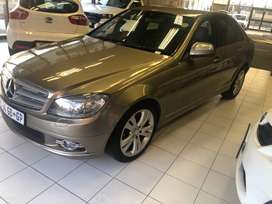 Mercedes Benz C220CDI 2009 model in a very good condition