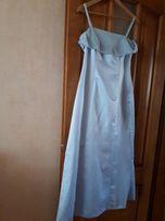 Дизайнерское платье со шлейфом Англия р.М