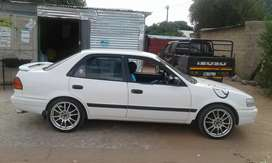 I'm selling Toyota corolla 1,6 GLI an is on a good condition