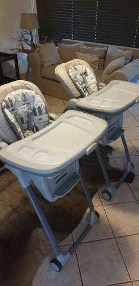 Baby high chair x1