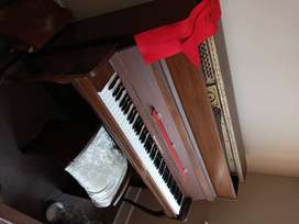 Piano. Stand up. Hausmann