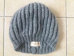 Nowa wloska szara wełniana czapeczka