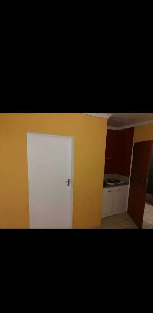 Room in chiawelo ext2 R1700