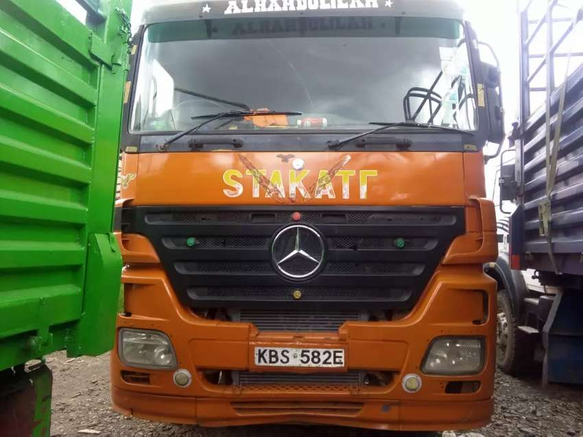 Mercedes Benze Double Diff with Banchu Trailer 0
