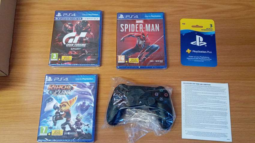 3 ps4 games + brand new original remote for sale