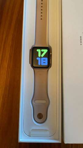 Apple series 3 watch (42 mm gold aluminum)
