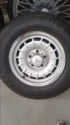 MERCEDES BENZ RIMS WITH NEW TYRES