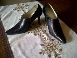 Продам ботинки женские ,кожа натуральная р 37