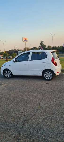 Hyundai i10 2016 model for sale