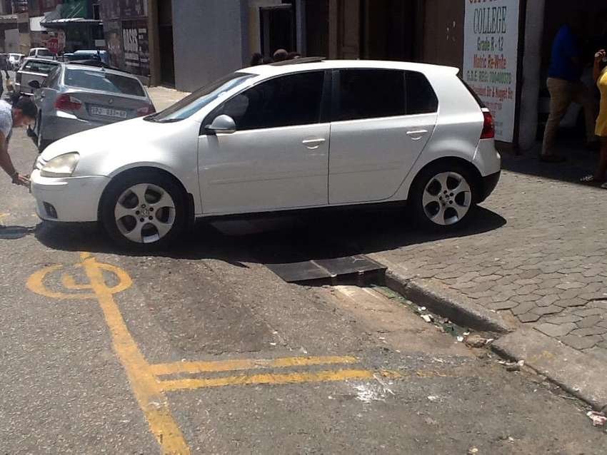 Golf 5 Tsi is now available for viewing and sale 0