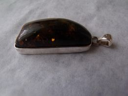 Bursztyn,srebro-wisiorek srebrny,zawieszka srebrna z bursztynem
