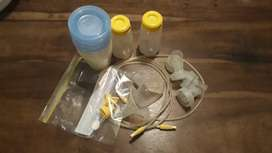 Medela double breast pump kit with collection pots