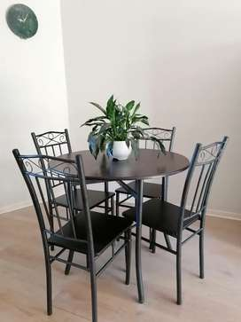 Café Style Round Dining Table and Chairs - URGENT SALE!