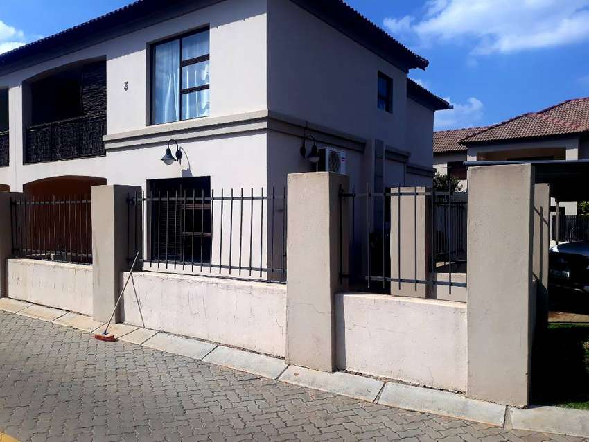 TOWN house for sale 0