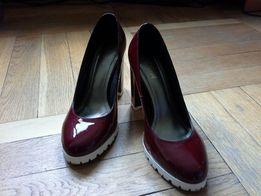 Обалденные красные лакированные туфли