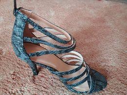 Sandały obcas- paseczki