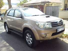 2009 Toyota Fortuner 3.0 D4D  leather seat