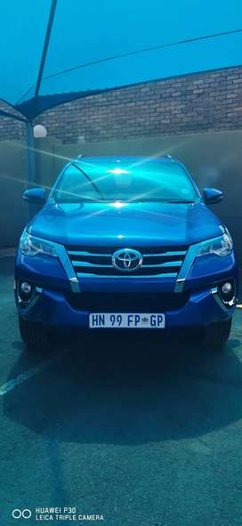 2018 toyota fortuner 2.4GD 10400km