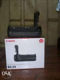 New battery grip for canon 60D camera. 0