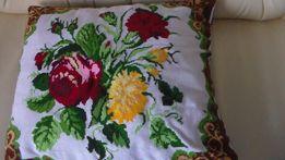 Подушки с вышивкой.