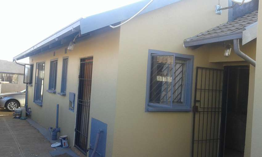 HOUSE FOR SALE AT PROTEA GLEN EXT 12 0