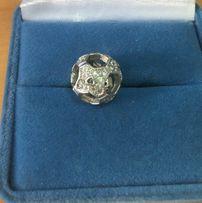 Подвеска - шарм, украшенный фианитами. Серебро 925 пр.