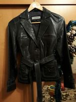 Очень срочно продам женскую куртку (пиджак) из натуральной кожи.