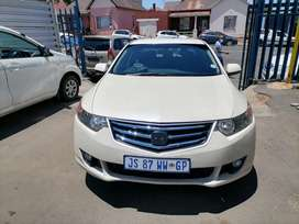 2010 Honda Accord 2.0 Automatic and leather seat