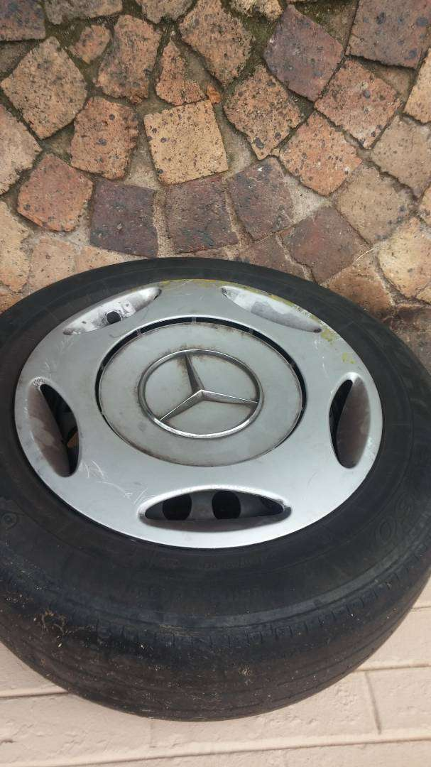 Mercedes benz w202 classic steel rims with hubcaps 0