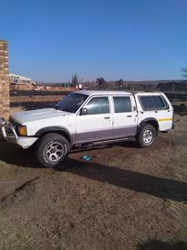 Ford courier V6 4*4 for sell 60000