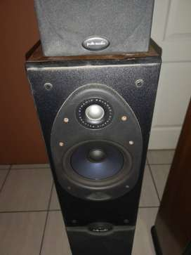 Polk audio speakers and 2 surrounds