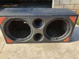 Double 12 inch subwoofer box
