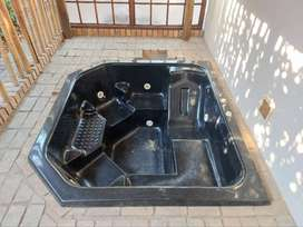 Jacuzzi hot tub for sale with pump
