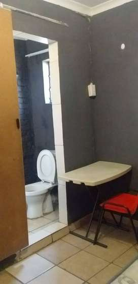 A self contain room with bathroom and toilet,free wifi-at bedworth pa