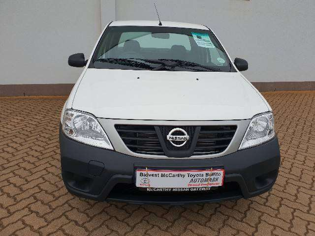 2015 Nissan NP200 1.5DCI A/C Saftey Pack 0