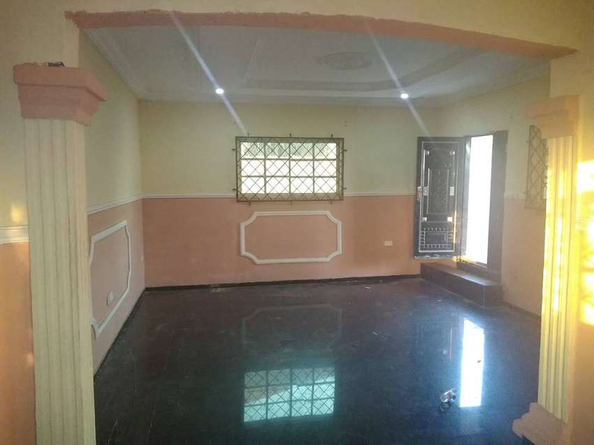 3 bedroom flat with all rooms ensuite 0
