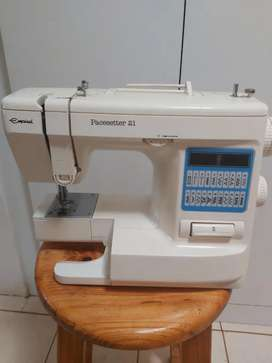 Empisal Pacesetter 21 sewing machine